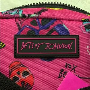 Betsey Johnson Bags - Betsey Johnson • Fuchsia Insulated Lunch Tote